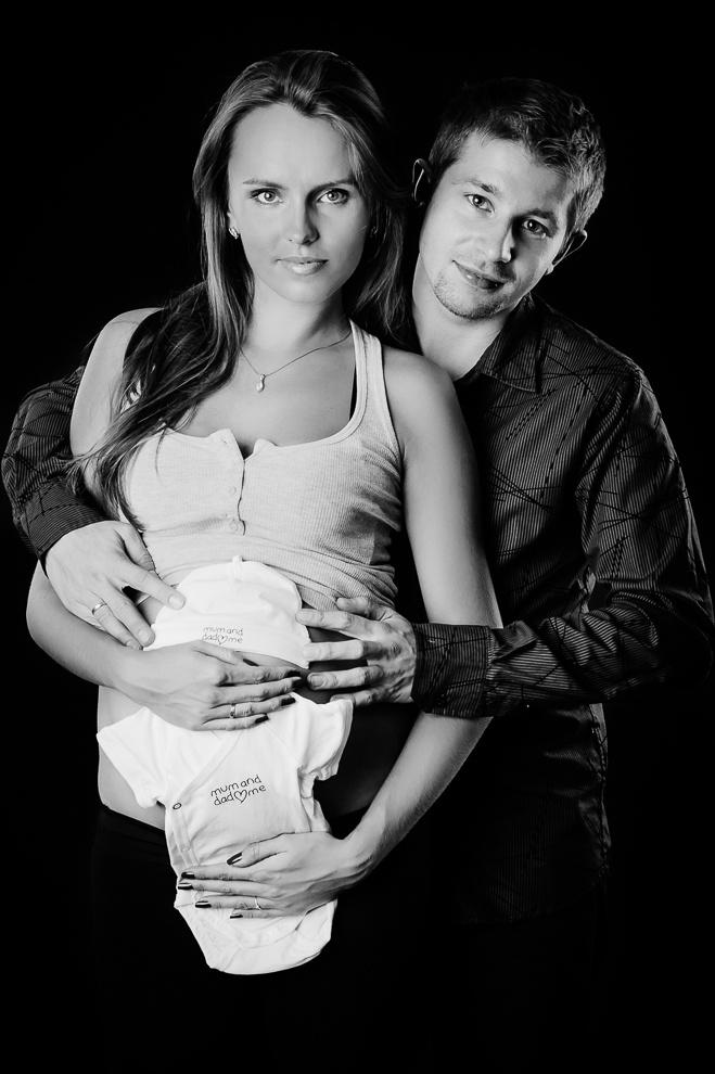 Pierwsze ubranko dla malucha - sesja ciążowa